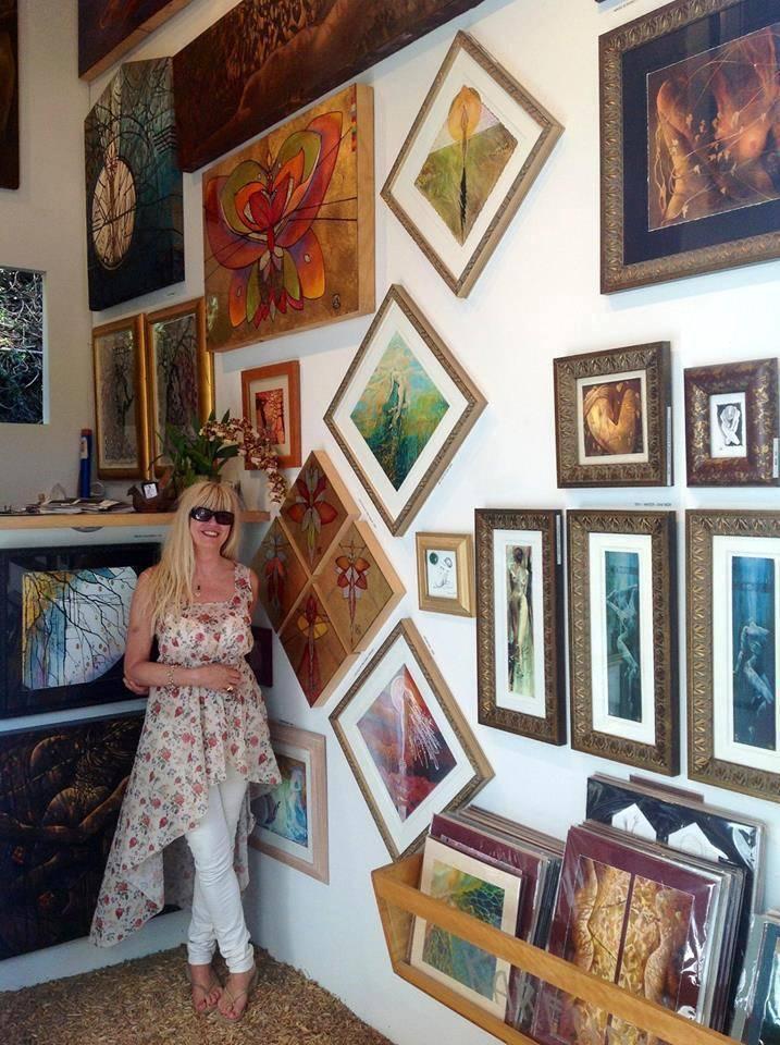 Artist Karen Petty at Sawdust